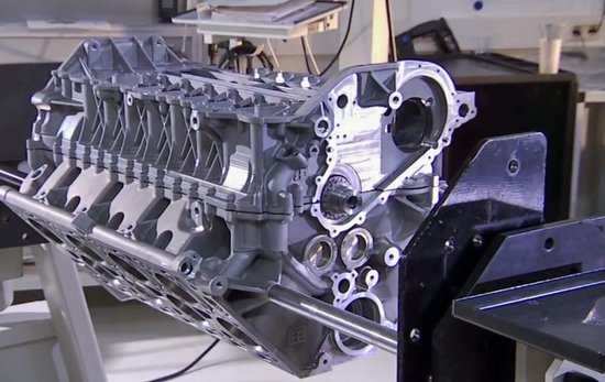 one-week-to-complete-a-single-veyron-engine.jpg