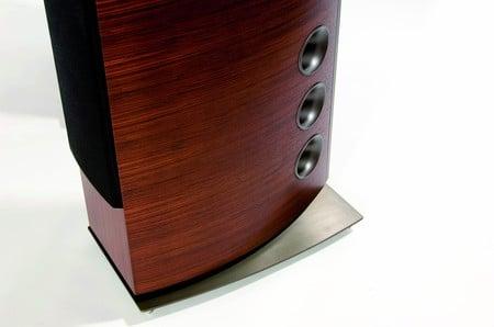 p-39f_speakers_2.jpg