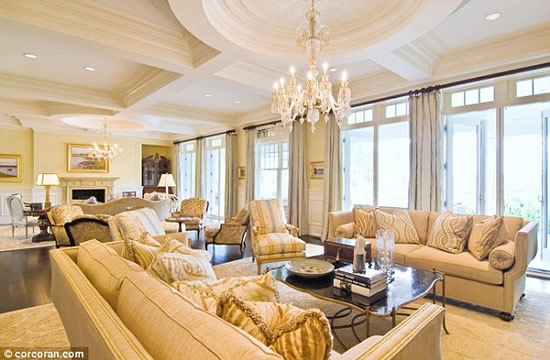 palatial-holiday-home-4.jpg