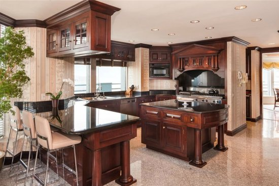penthouse-kitchen.jpg