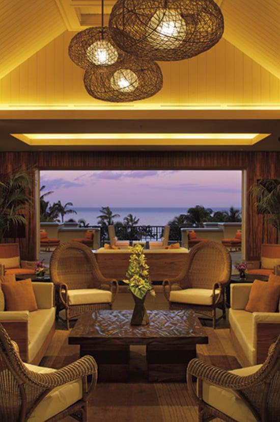 ritz-carlton-alaloa-lounge.jpg