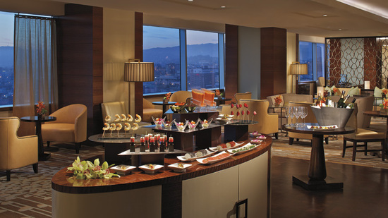 ritz-carlton-club-lounge-6.jpg