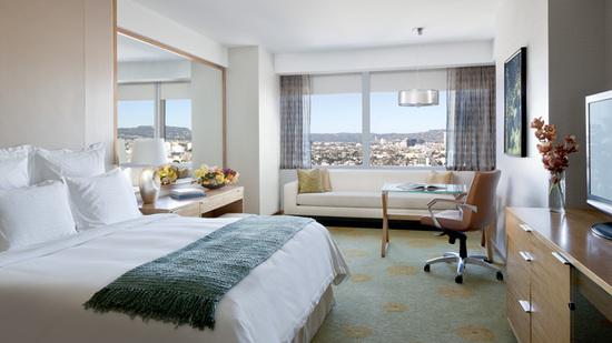 ritz-carlton-deluxe-guest-room-9.jpg