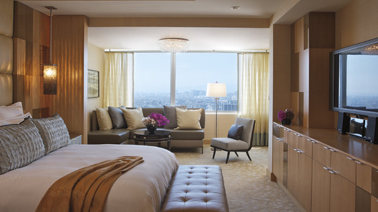 ritz-carlton-suit-bedroom-13.jpg