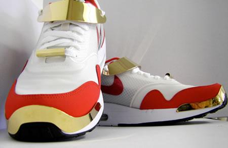 sabrina-dehoff-sneaker-jewelry-2.jpg