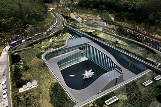 seoul-memorial-park-2.jpg