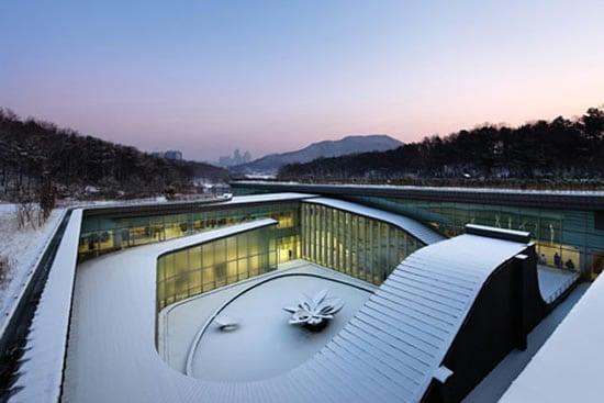 seoul-memorial-park-3.jpg