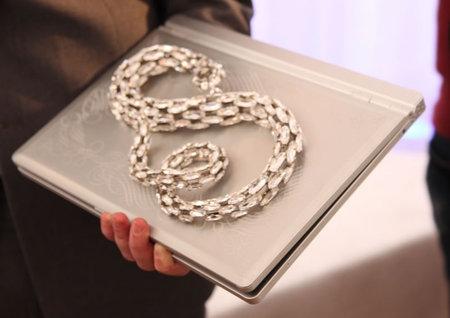 silver_snake_sits2.jpg