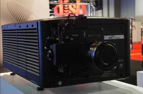 sim2-projector-3.jpg