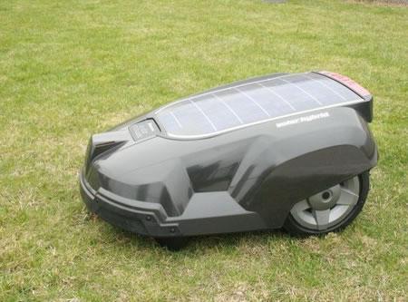 solar-powered_lawnmower_2.jpg