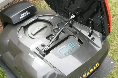 solar-powered_lawnmower_4.jpg
