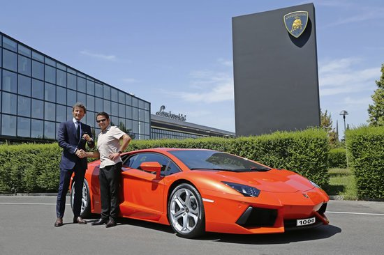 1000th Lamborghini Aventador LP700 4 delivered