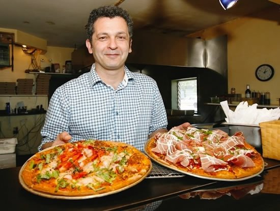 World's most expensive pizza sells for $450