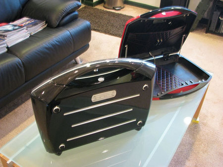 stylish-automobile-carbon-fiber-briefcase-4.jpg