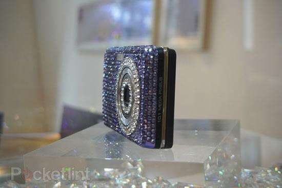 swarovski-crystal-samsung-cameras-2.jpg