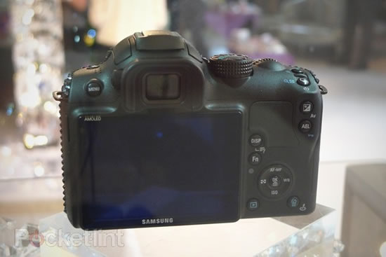 swarovski-crystal-samsung-cameras-5.jpg