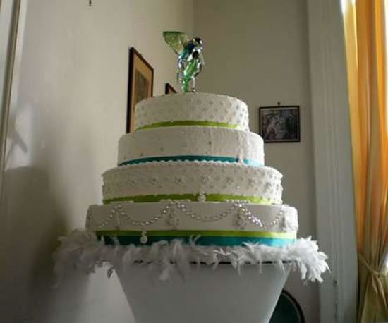 swarovski-wedding-cake2.jpg