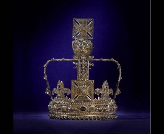 valentino-crown.jpg