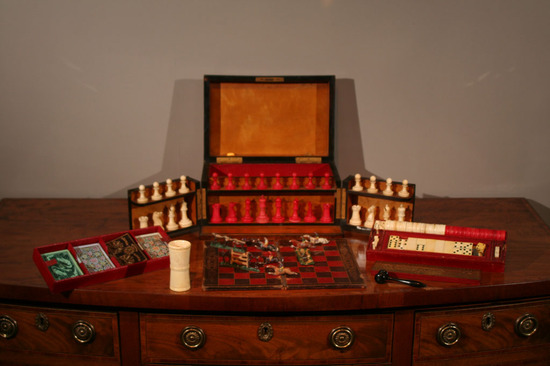 vintage_Royal_Box_of_Games2.jpg