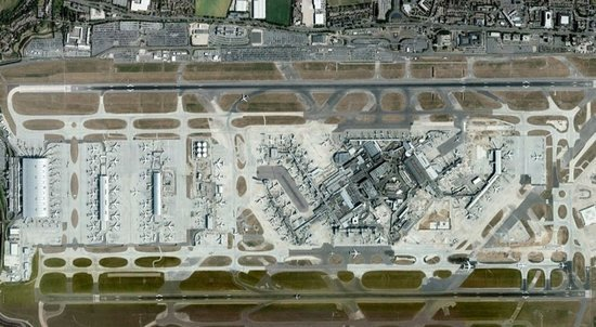 world's-biggest-airport-uk5.jpg