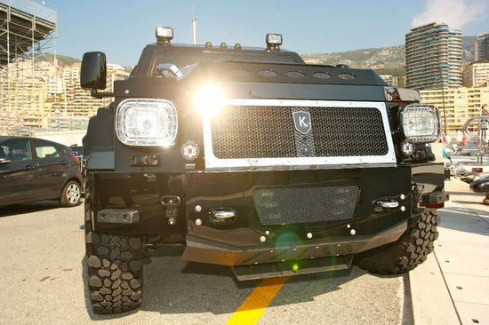 world's-most-luxurious-armoured-limo-5.jpg
