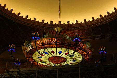 worlds_largest_chandelier_2.jpg