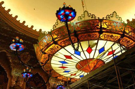 worlds_largest_chandelier_5.jpg