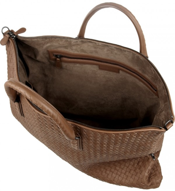 "3b753394fe38 With measurement of 22"" x 17"" x 2"" this bag is roomy and perfect to carry  all a woman s essentials. This  4"