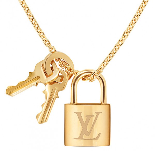 2bff2c6a88 The exquisite yellow gold necklace with the padlock and keys as pendants.  It has an asking price of £1241 ($1995).