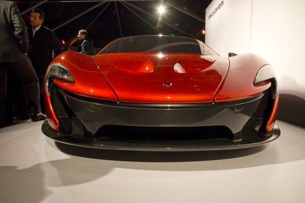 Mclaren Beverly Hills >> McLaren P1 supercar made a private appearance at Beverly ...
