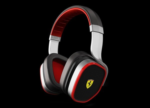 Scuderia Ferrari R300 headphones debut with Active Noise Cancelling feature