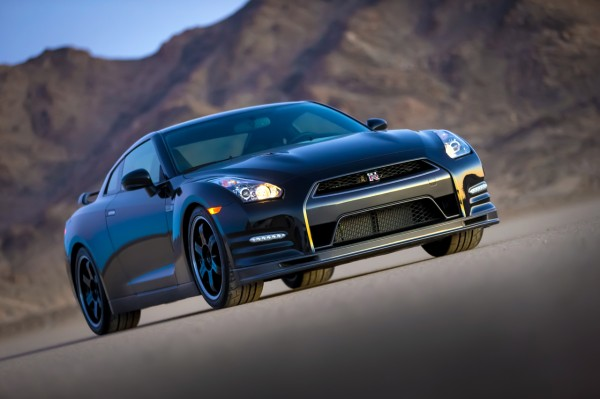 2014-nissan-gt-r-track-edition-31