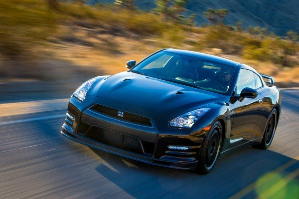 2014-nissan-gt-r-track-edition-40