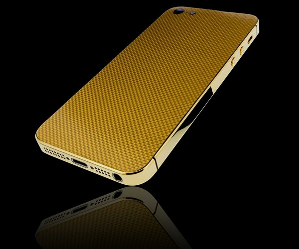 Golden Dreams unveils the world's first iPhone 5 made from carbon fiber coated with pure gold