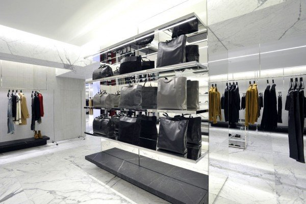 saint-laurent-avenue-montaigne-5
